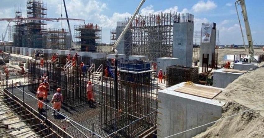 Más de mil obreros de la zona sur trabajan en refinería de Dos Bocas