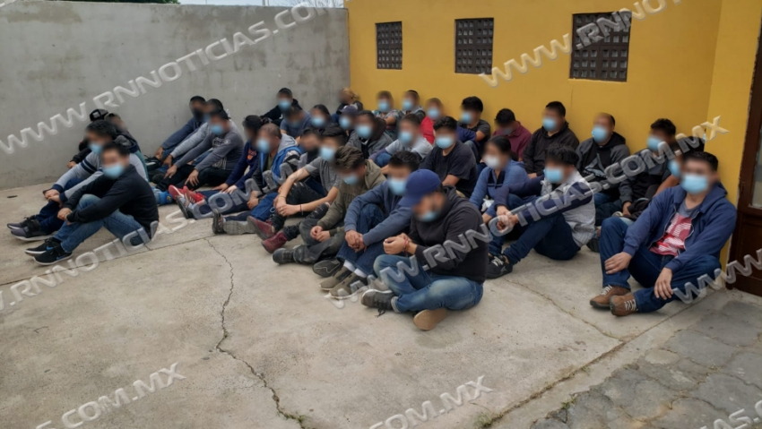 La Patrulla Fronteriza del Sector Laredo cierra tres casas de seguridad en las que hay más de 180 personas