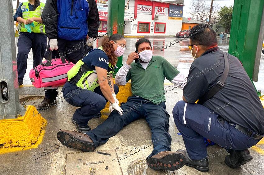 Derrapa motociclista y queda herido en Nuevo Laredo